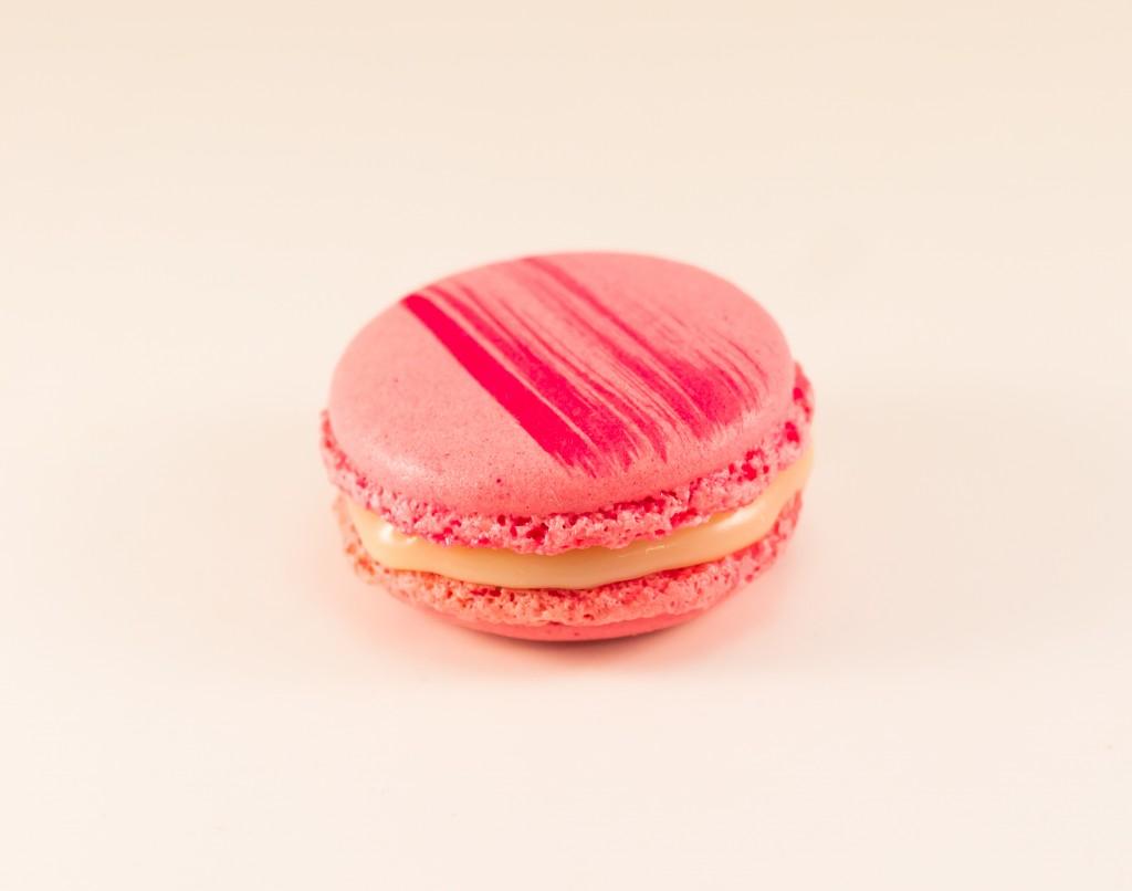 Macarons au chocolat blanc et à la rose