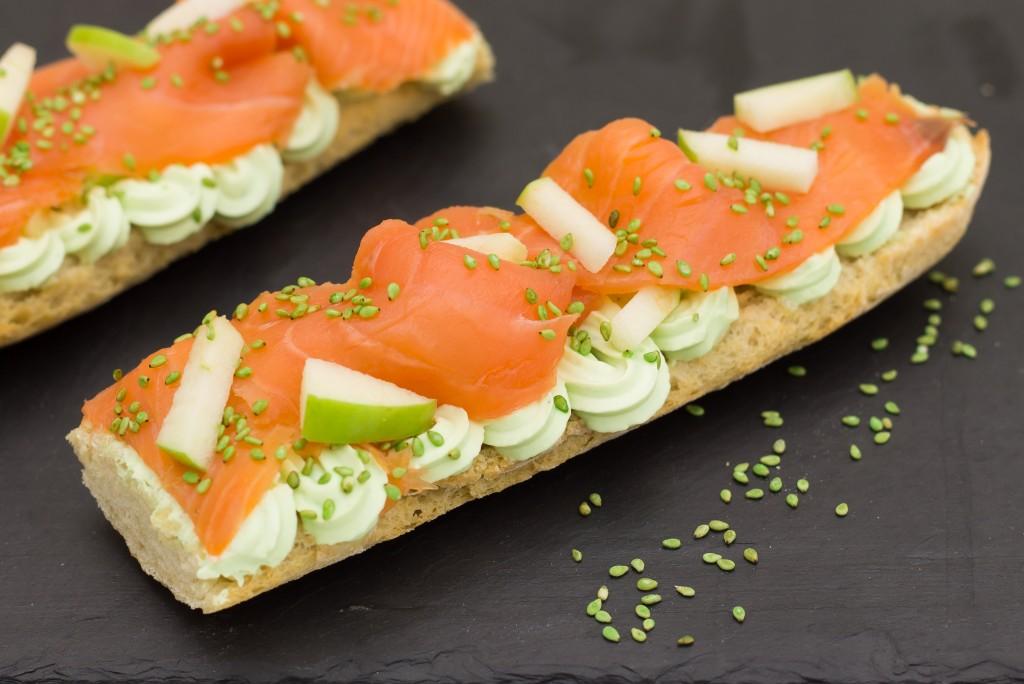 Tartine saint môret wasabi et saumon pomme verte