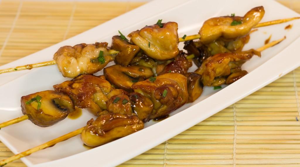 Yakitori poulet champignons