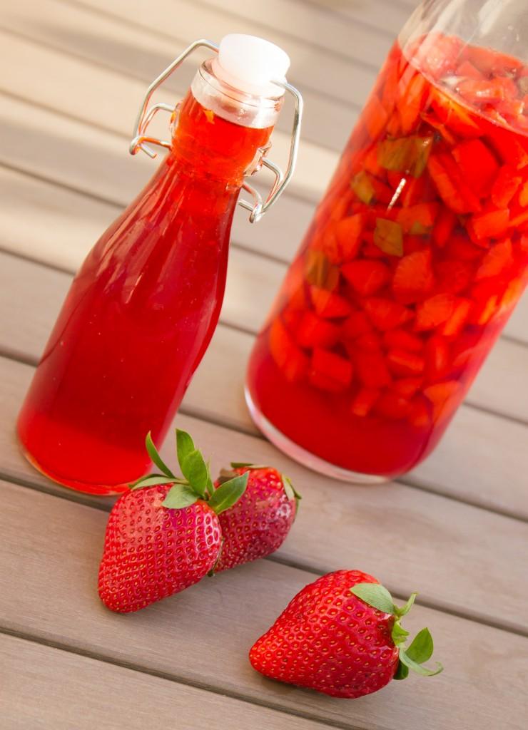 Vinaigre de fraises et basilic