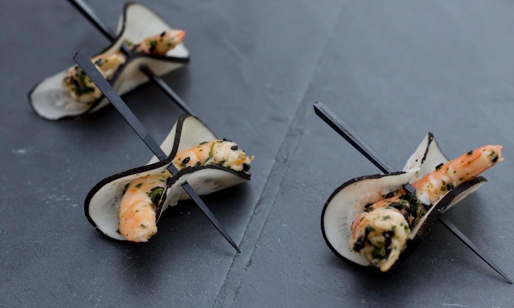 Crevettes marinés feuille de radis noir